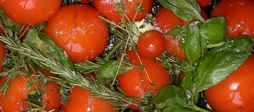 gebackene tomatensuppe mit oliven l und frischen kr utern. Black Bedroom Furniture Sets. Home Design Ideas